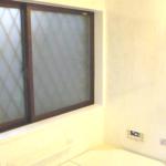新井邸浴室窓