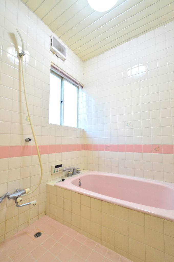 タイル浴室